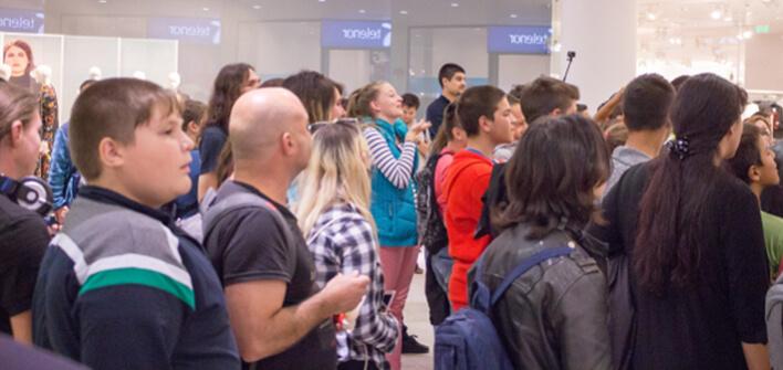 Стотици ловиха покемони в Мега Мол София